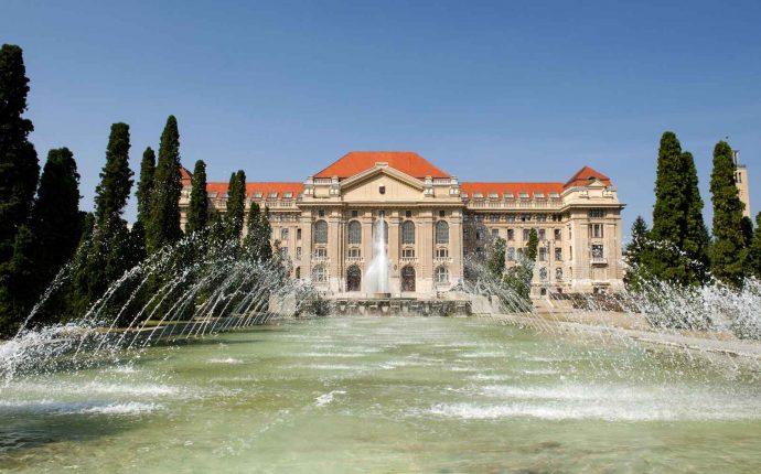 University of Debrecen – Main Building