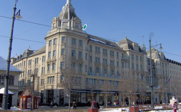 First National Bank Debrecen