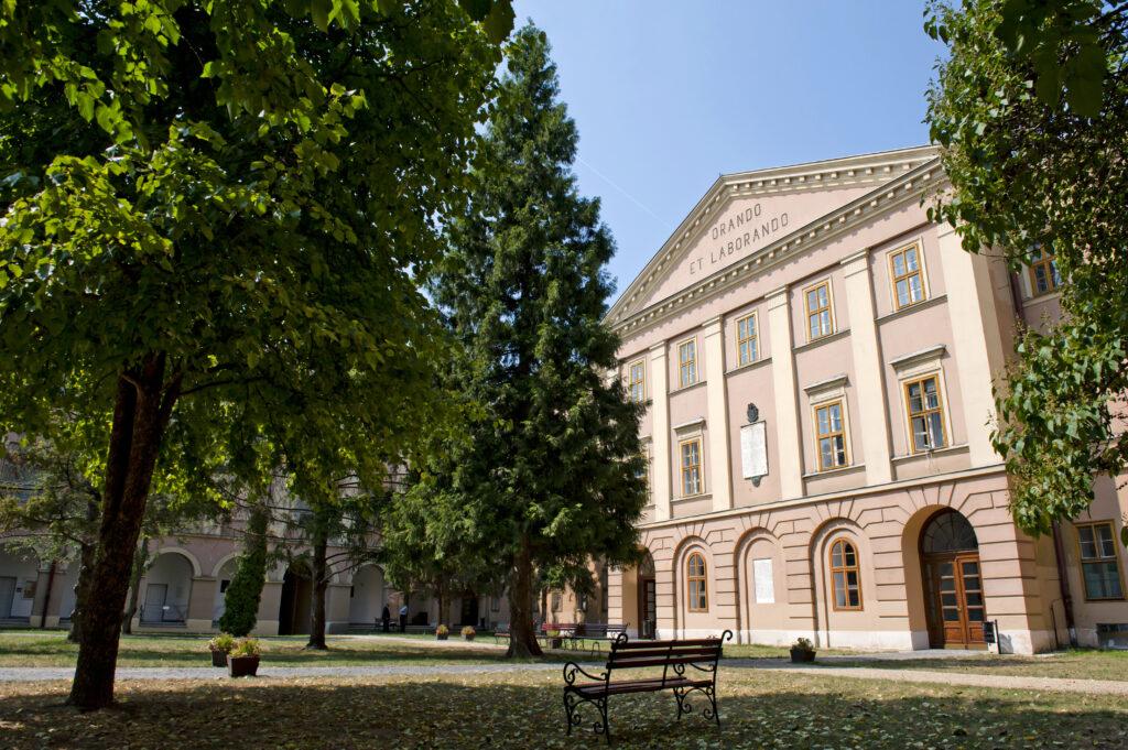 college-courtyard