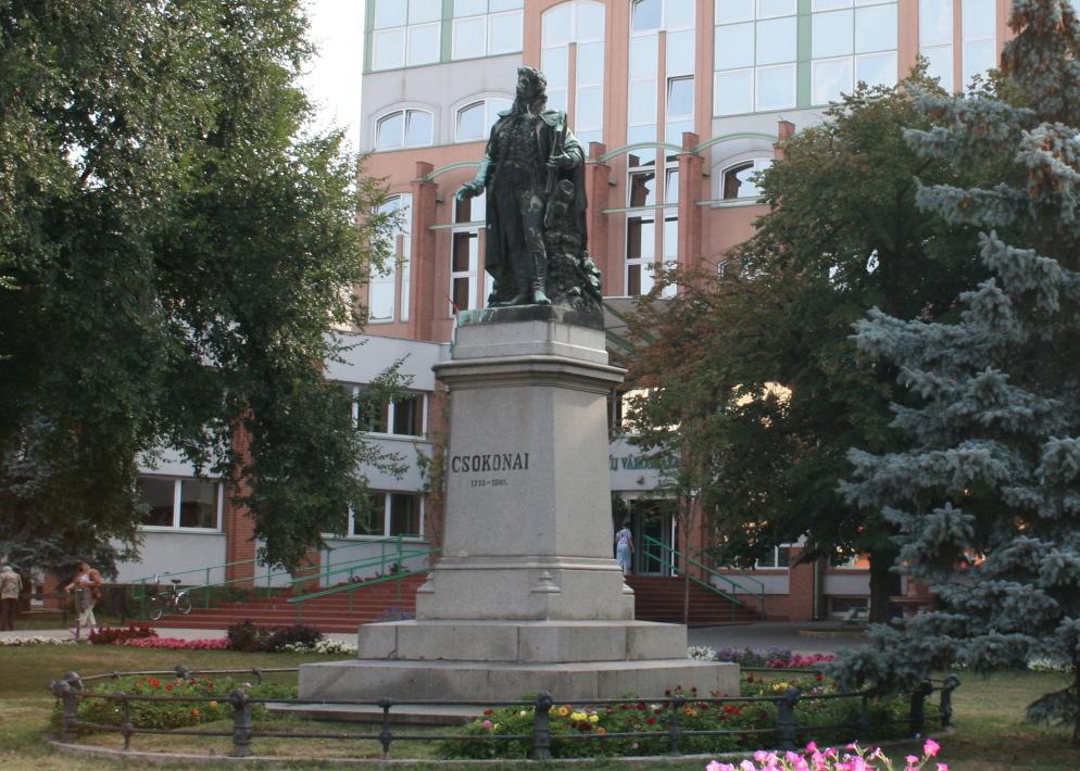 Csokonai Statue Debrecen