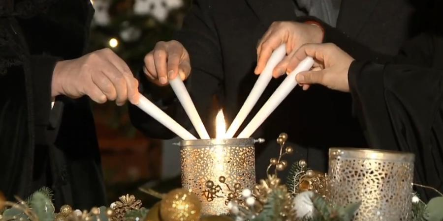 advent candle lighter