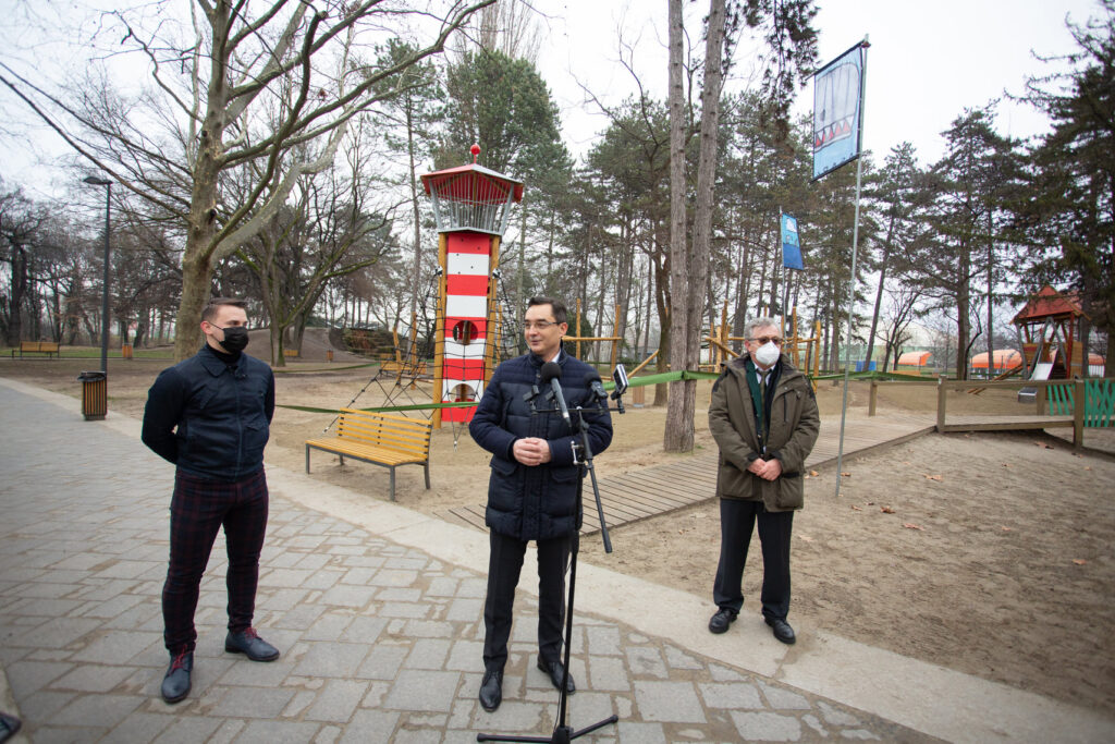 Debrecen's Mayor at the Opening of new play tower