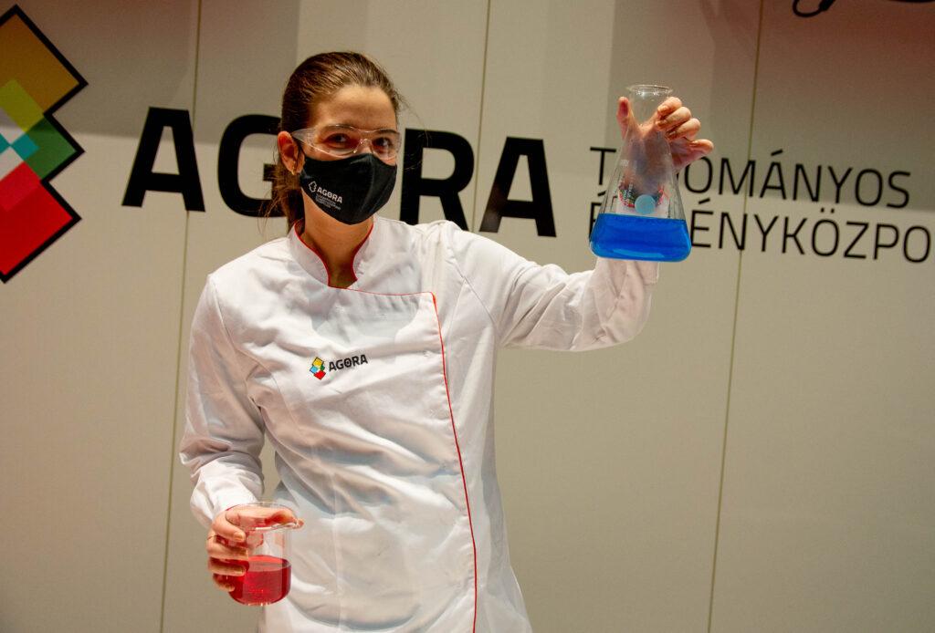 agora-chemistry-experimental-demonstration