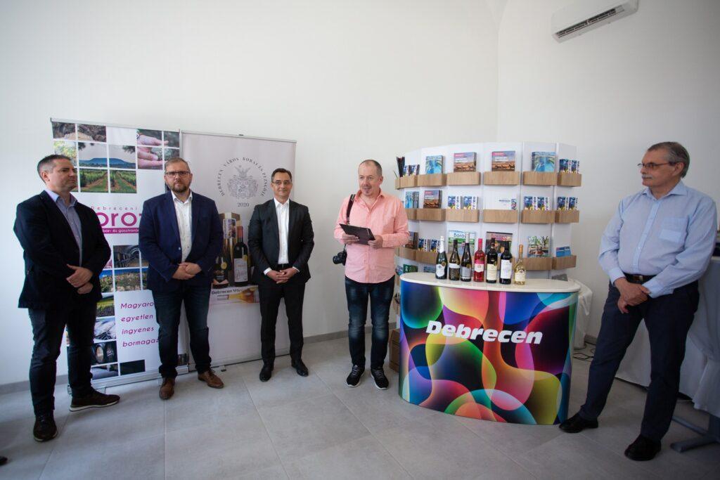 210528 Debrecen Varos Bora PL MJ 10 1920x1280 1024x683 - Wines of Debrecen 2021